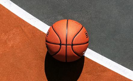美味しい料理と酒と、バスケットボール。